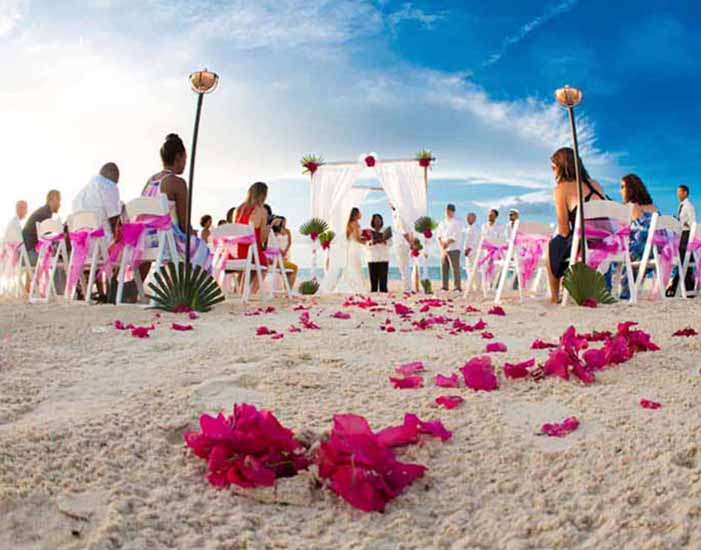 dream-wedding-grace-bay-beach